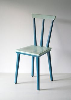 Sedie venezia in legno con seduta in paglia disponibile for Sedie vintage design