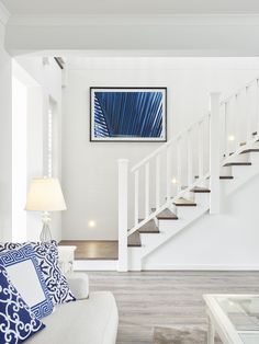 Coastal living rooms – Coastal Beach Home Decor Timber Staircase, White Staircase, Wooden Staircases, Staircase Design, Staircase Walls, Interior Railings, Hamptons Style Homes, Staircase Remodel, Coastal Living Rooms