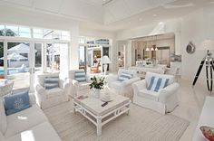 How to decorate your home for the summer ... White and Blue