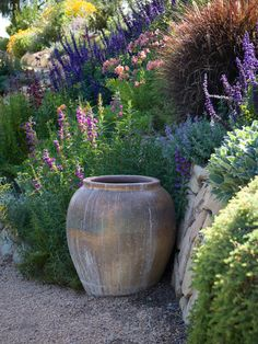 Mediterranean garden design - 45 garden ideas and garden furniture Sloped garden In modern cities, it is almost impossible to stay in the house with a yard, especially in the location cen. Small Cottage Garden Ideas, Garden Cottage, Country Garden Ideas, Hillside Garden, Sloped Garden, Gravel Garden, Herb Garden, Mediterranean Garden Design, Mediterranean Style