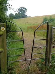 Squeeze gate stile on Cotswold Way