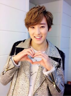 Twitter / Kevinwoo91:Lot of people came to BREAK UP release event, thank you very much! KISSme's no. 1 in my heart ~ always! ^ _−  Kevin's aegyo is the best!