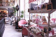 """Flores, té y """"vintage living"""" en el Salon des Fleurs"""