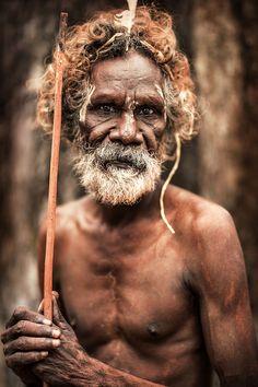 Pormpuraaw, Gulf Of Carpentaria, Cape York, Australia – Angel tattoo – jesus Aboriginal Man, Aboriginal People, Australian Aboriginal History, Sea Of Japan, Face Photo, World Cultures, Papua New Guinea, People Around The World, Poses
