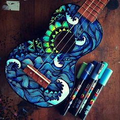 Beautiful guitar by @salty_hippie !! . Follow us @mizu_arts_help and our fellow page @art.desires