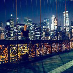 Den Aktienmarkt langfristig zu besitzen ist ein Gewinnspiel aber der Versuch den Markt zu schlagen ist ein Verliererspiel.  John C. Bogle  #FinanzTilo_Zitate Versuch, San Francisco Skyline, Travel, Instagram, Stock Market, Finance, Quotes, Viajes, Destinations