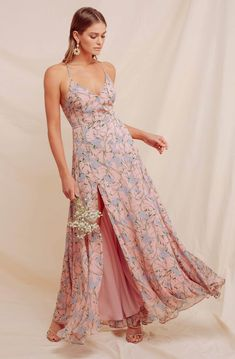 100+ Dresses Perfect for Wedding Guests | The Perfect Palette Lace Midi Dress, Maxi Wrap Dress, Floral Maxi Dress, Figure Flattering Dresses, Maxi Styles, Occasion Dresses, Pretty Dresses, Fashion Outfits, Label