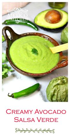Green salsa with avocado Easy & Delicious Creamy Avocado Salsa Verde Recipe. Authentic Mexican Recipes, Mexican Salsa Recipes, Mexican Dishes, Mexican Salsa Verde, Authentic Salsa Verde Recipe, Habanero Recipes, Tomatillo Recipes, Avocado Dessert, Avocado Food