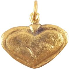 Výsledek obrázku pro ancient ornament heart