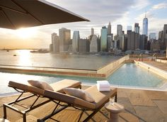 In New York, the hotel scene is always changing. Here Laura Itzkowitz picks the best New York hotels covering NoMad, Dumbo, Manhattan and Brooklyn. Rooftop Bars Nyc, Rooftop Restaurant, Rooftop Pool, Rooftop Garden, Best Hotels In Amsterdam, Nyc Hotels, Brooklyn Hotels, Luxury Travel, Italy