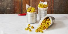 Satisfy your cravings the smart way, with this healthy cauliflower popcorn recipe from Good Housekeeping. Recipes Appetizers And Snacks, Popcorn Recipes, Snack Recipes, Cooking Recipes, New Year's Eve Appetizers, Popcorn Snacks, Bar Recipes, Party Appetizers, Keto Desserts