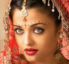 01 Aishwara-Rai-Bachchan-Bridal Look