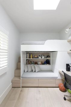 33 Awesome Modern Small Bedroom Design And Decor Ideas - It used to be very diff. 33 Awesome Modern Small Bedroom Design And Decor Ideas – It used to be very difficult to get a de Boys Bedroom Modern, Bunk Bed Rooms, Dream Rooms, Bedroom Decor, Small Room Bedroom, Bunk Bed Designs, Bedroom Interior, Amazing Bedroom Designs, Modern Kids Bedroom
