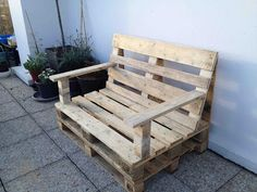 Furniture in pallet: 25 ideas to use them in the garden