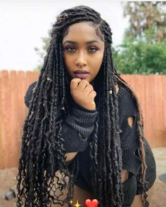 fauxlocs/ faux locks/ faux locs hairstyles are a trend last few yeras. With human hair,kanekalon hair, yarn or marley hair you can try these awesome styles. Braids african american You Never Saw Fauxlocs Explained This Way Faux Locs Hairstyles, New Natural Hairstyles, Braided Hairstyles For Black Women, My Hairstyle, Braids For Black Hair, Girl Hairstyles, Hairstyle Ideas, Korean Hairstyles, African Hairstyles