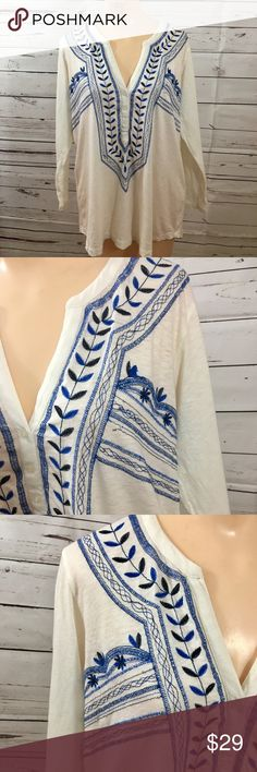"""Lucky Brand Embroidered Boho Tunic Sweetly Embroidered Boho Lucky Brand tunic. A few loose threads don't deter from the boho-chic vibe of this top. 21"""" pit to pit. 26"""" shoulder to hem. Lucky Brand Tops Tunics"""