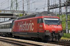 Re 460 102-7 mit der Historic Werbung