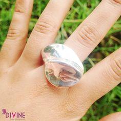 Este es un anillo cargado de fuerza y seducción. Brillante y llamativo, tal cual como el fuego. Precio: $18.400