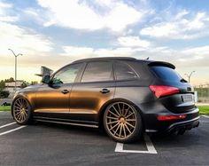 Matt black Q5 Audi Wagon, Good Looking Cars, Crossover Suv, Audi Rs, Bmw Cars, Custom Cars, Cars And Motorcycles, Automobile, Minivan