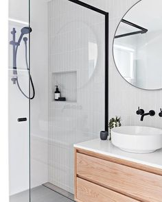 Modern Farmhouse, Rustic Modern, Classic, light and airy bathroom design a few ideas. Bathroom makeover tips and master bathroom renovation ideas. White Bathroom Tiles, Bathroom Renos, Bathroom Layout, Bathroom Interior Design, Bathroom Renovations, Bathroom Ideas, Bathroom Makeovers, Bathroom Organization, Bathroom Inspo