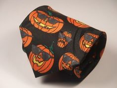 Halloween Mens Neck Tie -- Pumpkins with Shades !!