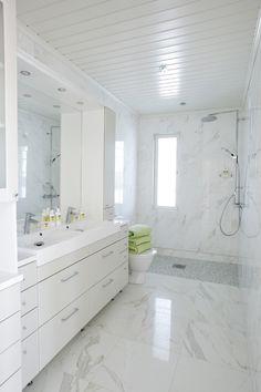 Allaskaapit Inside A House, House Interiors, Double Vanity, Sweet Home, Bathtub, Bathroom, Design, Standing Bath, Washroom