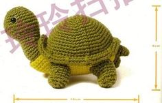 Amigurumi Turtle - Free Pattern in Spanish here: eltallerdecoser. Crochet Fish, Crochet Turtle, Crochet Animals, Crochet Flowers, Crochet Baby, Free Crochet, Amigurumi Tutorial, Crochet Patterns Amigurumi, Crochet Dolls