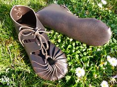 On order Celtic leather shoes vegetable tanning - barefoot sensation brown fairy shoes original viking sandals mocassins soft soled shoes Make Your Own Shoes, Fairy Shoes, Walking Barefoot, Handmade Leather Shoes, Dark Brown Color, Vegetable Tanned Leather, Vikings, Shoe Boots, Footwear