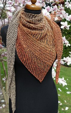 Bobbel coton triangle Scarf, Womens knit Shawl, Baktus scarf, Dragon tail scarf, Mothers Day gift, Spring accessories, Gift for mom #scarves #knitting #handmade #trianglescarf #womenscarf #bobbelscarf #cottonscarf