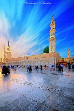 Photo by: Abdulhameed Shamandour Location: Madina Munawara, Saudi Arabia Another Shots: Green Dome II Al Masjid An Nabawi, Mecca Masjid, Masjid Al Haram, Islamic Wallpaper Hd, Mecca Wallpaper, Quran Wallpaper, Islamic Images, Islamic Pictures, Rabi Ul Awal