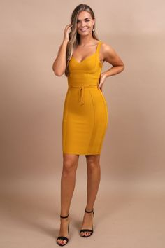Donatella Mustard Tie Waist Bandage Dress Be a trendsetter in this fitted bandage dress! Build your trendy mustard yellow clothing wardrobe. Simple Outfits, Chic Outfits, Fashion Outfits, Party Outfits, Party Dresses, Fashion Ideas, Mom Outfits, Summer Dresses, Fashion Tips