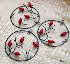 Handmade Wire Jewelry, Wire Jewelry Designs, Wire Jewelry Making, Wire Wrapped Jewelry, Wire Crafts, Bead Crafts, Arts And Crafts, Wire Ornaments, Beaded Christmas Ornaments