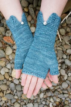 Ravelry: Felicity Mitts pattern by Cloud House Studio