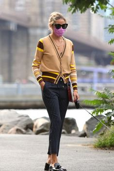 Alexa Chung, Max Mara, Love Her Style, Cool Style, Victoria Beckham, Simple Outfits, Casual Outfits, Olivia Palermo Street Style, Yves Saint Laurent