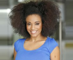 Ask CurlyNikki: What Is 'Pineappling' and How Does It Affect My Hair? CurlyNikki explains how to pineapple your hair at night and wake up with fresh curls.