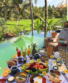 Ubud, Bali😍 cc: // Tag someone you ❤ Travel Aesthetic, Aesthetic Food, Places To Travel, Places To Go, Breakfast Around The World, Brunch Table, Luxury Life, Luxury Living, Hotels And Resorts