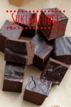 Gluten free, sugar free, milk free, vegan chocolate fudge. This is simple and tastes amazing! Contains dates, coconut oil, cocoa powder and coconut milk.