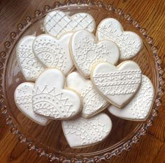 This listing is for one dozen vintage lace sugar cookies. You can totally customize this collection. Choose your colors, personalize them, and
