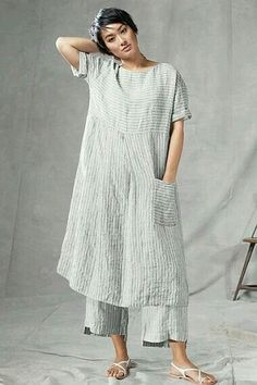"""Dress Gozo wash - This isn't """"altered or embellished"""" for my board, but I absolutely love the comfort and simplicity of it! And embellishments could easily be added if desired. Look Fashion, Womens Fashion, Fashion Design, Beautiful Outfits, Cool Outfits, Mode Boho, Linen Dresses, Mode Inspiration, Dress Patterns"""