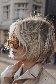 Girls exquisite BOB short hair, showing the self-confidence, sunshine and independence of the workplace female style Short Blonde, Blonde Hair, Synthetic Hair Extensions, Great Hair, Hair Today, Hair Dos, Bob Hairstyles, Formal Hairstyles, Straight Hairstyles