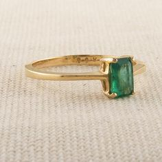 Vintage Emerald Cut Emerald Ring in Simple Gold Band