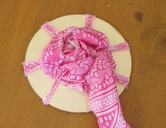 How to use a CD to make easy Rosettes!