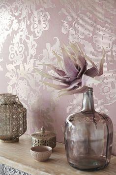 #Behang van Eijffinger uit de collectie Yasmin. #roze #pink wallpaper by Eijffinger.