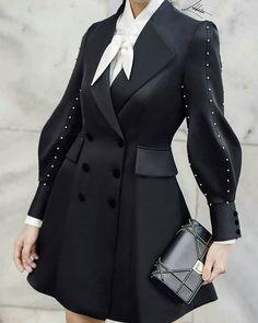 39 Korean Fashion Black And White Ideas Hijab Fashion, Fashion Dresses, Korean Fashion, Punk Fashion, Looks Style, My Style, Fashion Details, Fashion Design, Fashion Ideas