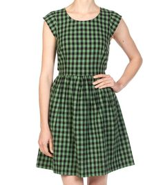 I am going to make myself a dress like this.a little longer.maybe knee length cause I'm not 21 anymore! Short Sleeve Dresses, Dresses With Sleeves, Gingham Dress, Women's Clothing, Clothes For Women, Sewing, My Style, How To Make, Closet