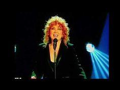 Novità musica: Fiorella Mannoia - Che sia benedetta, con testo e video