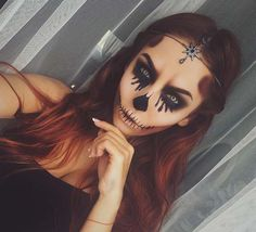 Glam Skull for Unique Halloween Makeup Ideas to Try