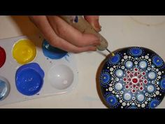 DIY Painting a round and flat Mandala Stone with a new pattern - YouTube