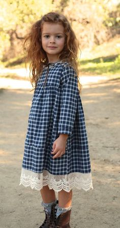 Winter Wonder Kleid Kinderkleidung - The most beautiful children's fashion products Fashion Kids, Little Girl Fashion, Fashion Sewing, Latest Fashion, Winter Fashion, Fashion Fashion, Dress Fashion, Fashion Trends, Little Dresses