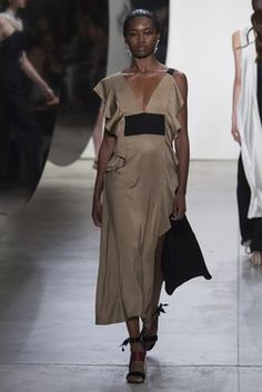 See the complete Prabal Gurung Spring 2018 Ready-to-Wear collection.